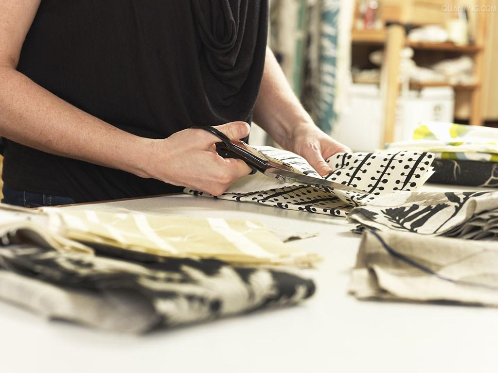 专业裁缝,为您提供上乘的面料。