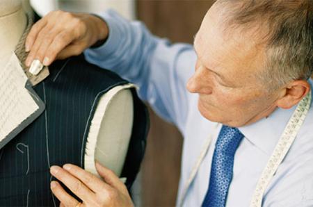 量身定制,我们专注为您打造适合您的衣装。